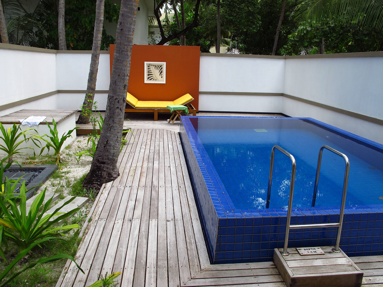 Some beachfront villas also have a good sized pool in the back of the villa as well.