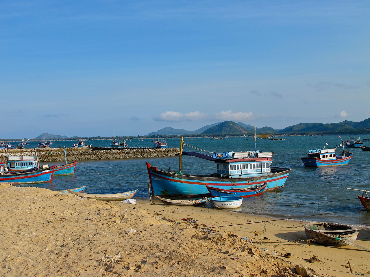 Most of the fisherman you see in the bay each morning come from these nearby villages.