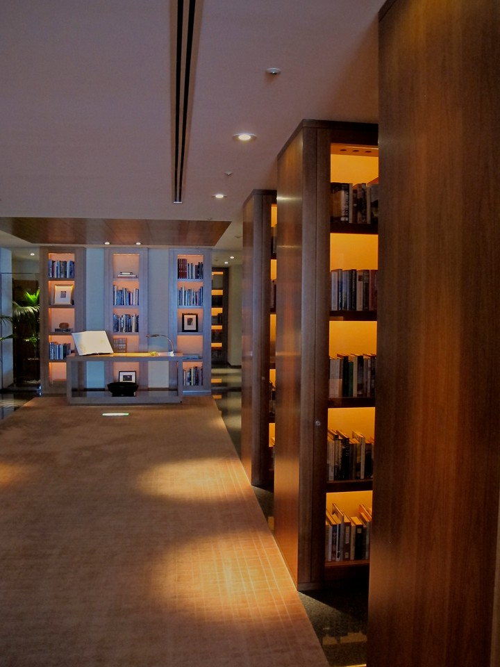 The hotel also has an extensive library of books available.